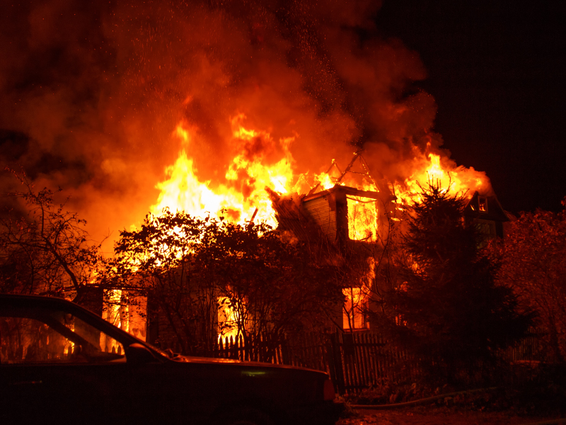 Burning house, caused by the Niland California Fire